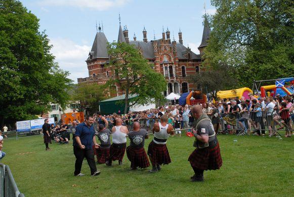De Meifeesten in Hoeilaart brengen elk jaar heel wat volk op de been.