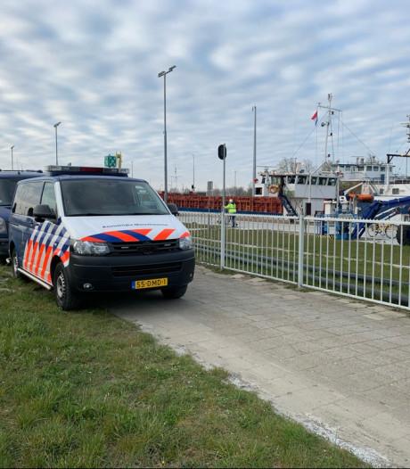 Vier onderkoelde en ondervoede Albanese verstekelingen van boord gehaald in haven Terneuzen