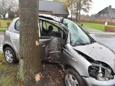Automobilist gewond bij eenzijdige aanrijding Baarle-Nassau