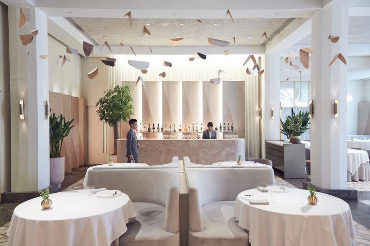 Julien Royer is chef in het restaurant van Odette in de National Gallery Singapore en heeft twee Michelinsterren. Beeld Odette