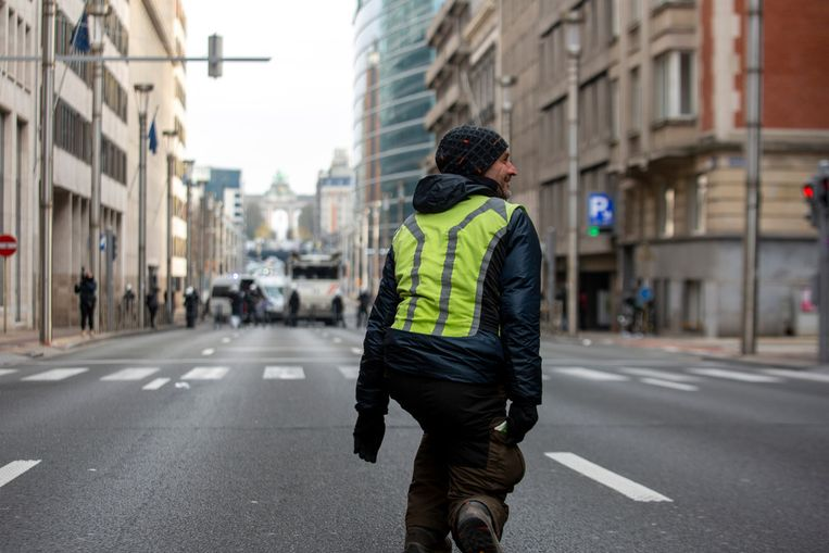 Een demonstrant in Brussel. Beeld Belga