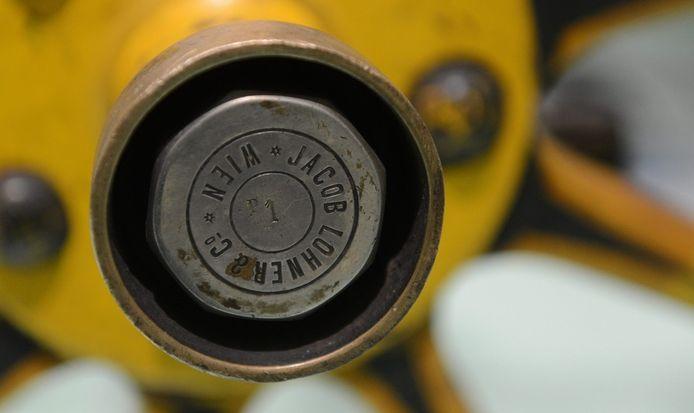 De inscriptie 'P1' op de wielas van de eerste Porsche.