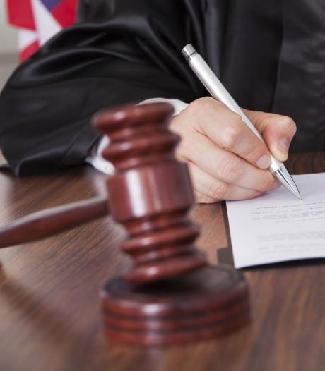 Meubelbezorgers belaagd door ongeduldige man uit Zaltbommel, man krijgt werkstraf