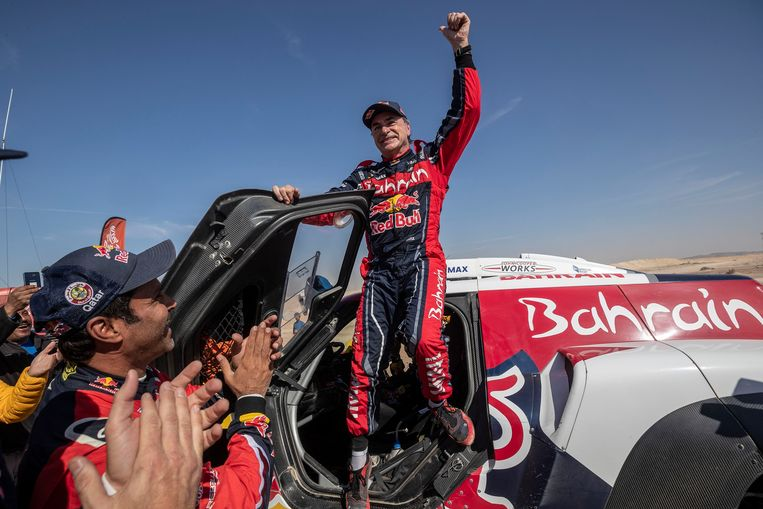 Carlos Sainz wint de Rally Dakar.