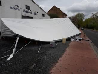 Opnieuw tegenslag voor bar van manege Verbrande Brug: rukwind vernielt tent op terras