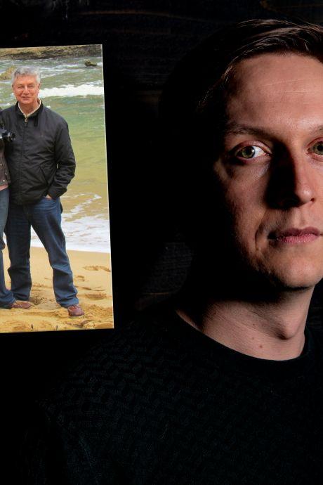 Kees (32) uit Bathmen verloor in één week beide ouders: 'Ze moesten videobellend afscheid nemen van elkaar'