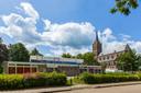 Het voormalige dorpshuis De Hanze in Maasbommel.