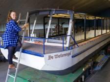 'De verf voor de nieuwe salonboot De Waterengel vriest vast aan de kwast'