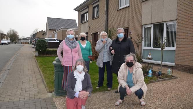 """Bewoners Hemelrijk enorm aangedaan dat ze hun sociale woning na veertig jaar moeten verlaten: """"Hier gaan drama's gebeuren"""""""