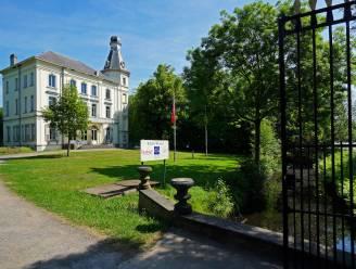 Dioniss verkast naar park van Kasteel Borluut