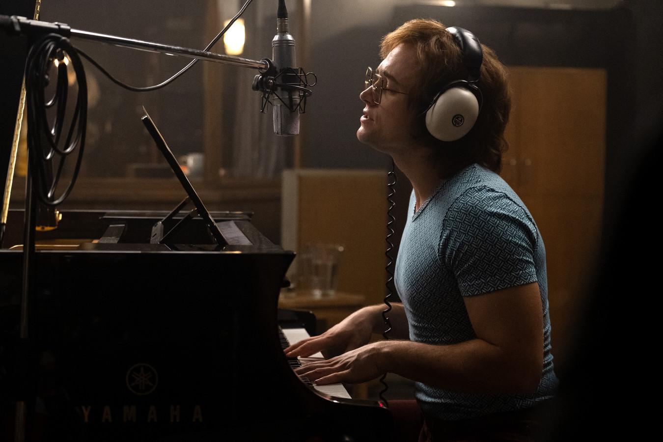 Taron Egerton als Elton John in Rocketman.