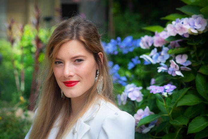 Lana Voeten (21) uit Groesbeek, doet dit weekend mee aan een grote internationale missverkiezing in Bulgarije.