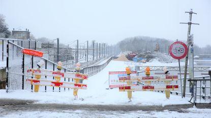 Oeverwerken langs kanaal hervat, maar niemand weet wanneer Zuidbrug gebouwd kan worden