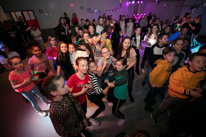 Eindhoven *Discorijk*, feestje in Meerhoven in de *Hangar*.