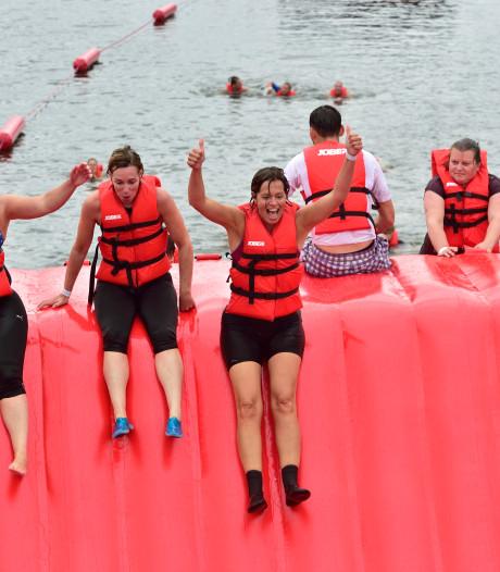 Primeur voor Zevenhuizen: de Titan Swim, een obstacle run in het water