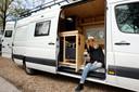Amber de Bruin uit Vlaardingen bouwde haar eigen camper.