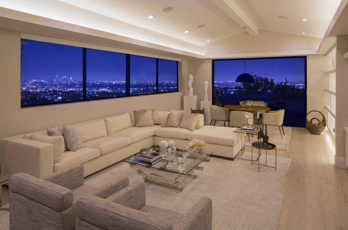 Demi Lovato vend sa maison du quartier de Hollywood Hills à Los Angeles pour 8,25 millions de dollars.