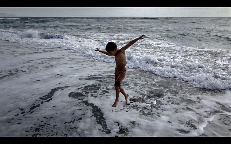 Noah in zee. Beeld Judith Quax