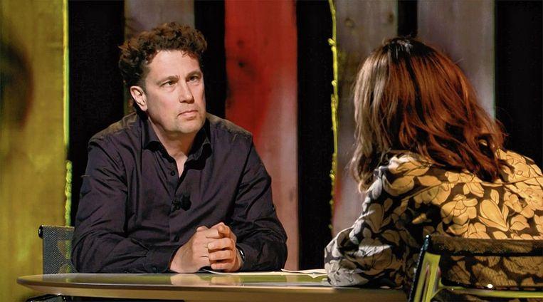 Psychiater Robert Vermeiren en Janine Abbring in het tv-programma Zomergasten.  Beeld VPRO