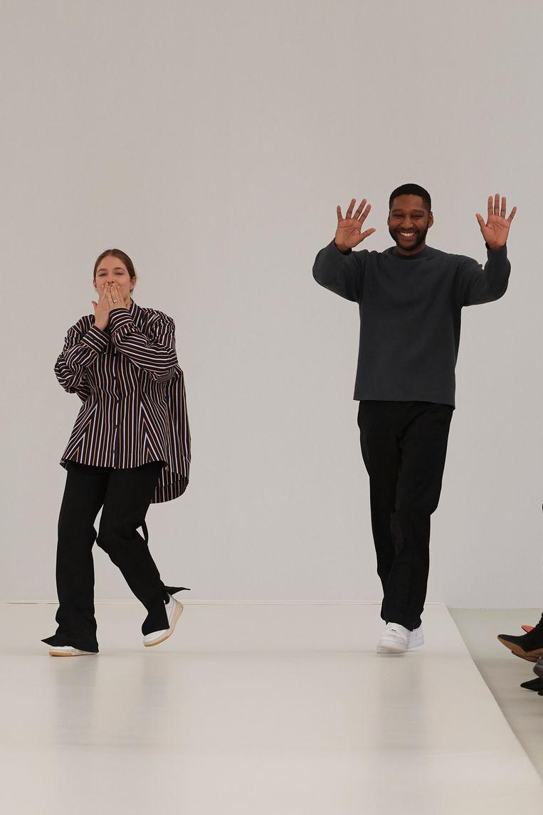 Lisi Herrebrugh en Rushemy Botter na afloop van hun eerste show voor Nina Ricci in Parijs Beeld Nina Ricci