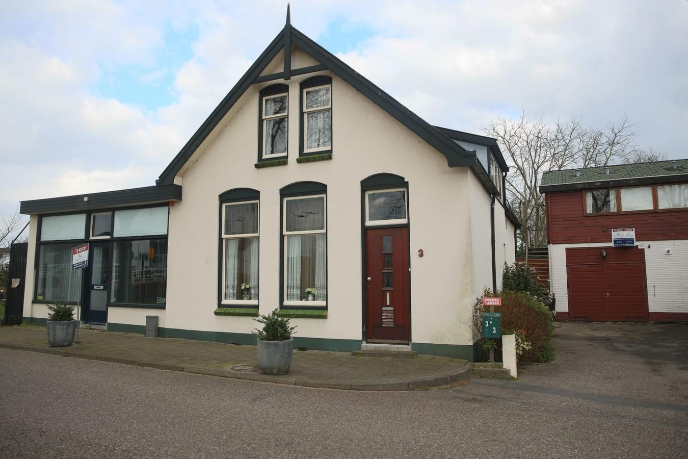 Notaris d'Aumerielaan 3, Reeuwijk. Vraagprijs: 597.000 euro