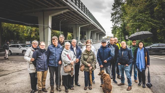 """""""Renovatie van 40 miljoen euro, maar het lawaai blijft niet te harden."""" Buurtbewoners van E17-viaduct pleiten voor snelheidsverlaging naar 70 per uur"""