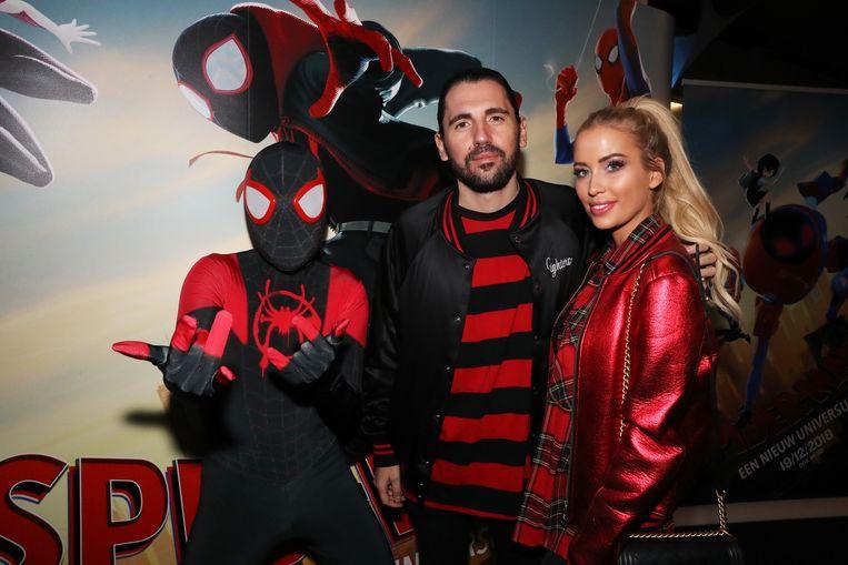 Dimitri Vegas met echtgenote Anouk Matton. Ook zij heeft een klein rolletje in deze film.