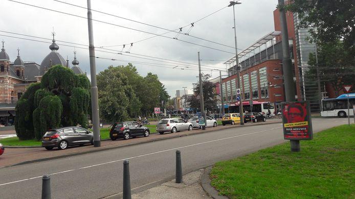 File op de ring in het centrum van Arnhem.