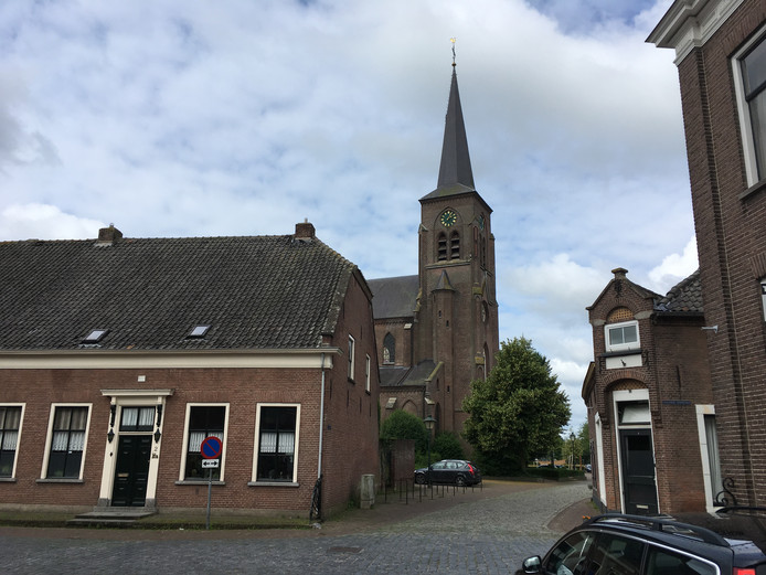De kerkklok in Megen staat al zeker vier weken stil.
