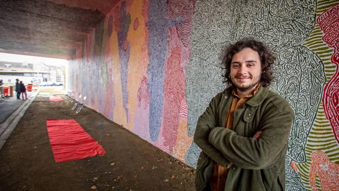 Pavel Balta (28) brengt buurtbewoners Ter Hilst dichter bij elkaar met kleurrijke kunstbrug 'I was here'