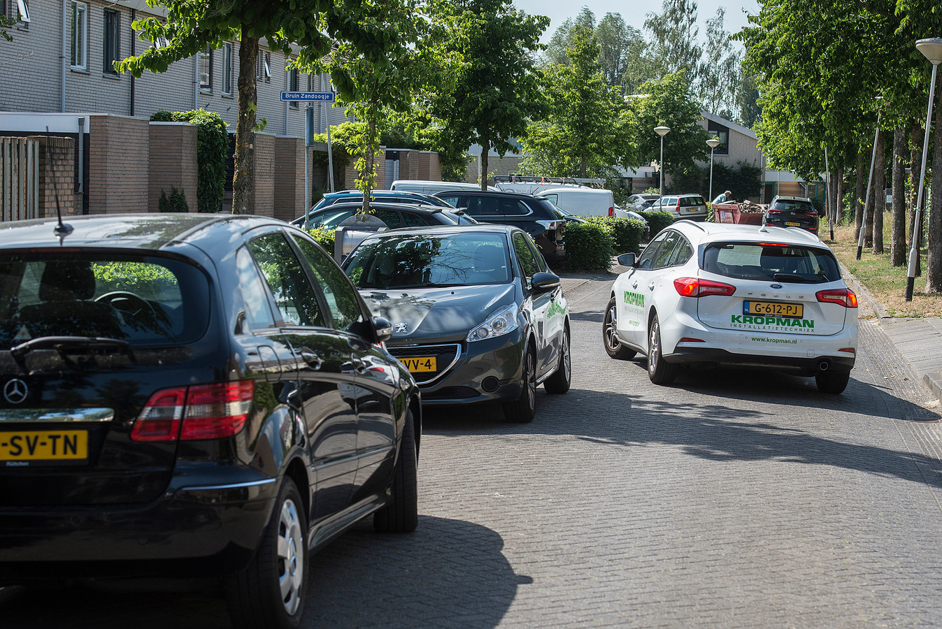 In de wijk Westerpark vrezen ze dat de parkeerdruk met bouwprojecten als Cosun Park en Blossom nog groter wordt.