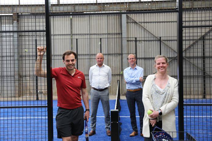 Peter en Dieter Vyncke, met vooraan gebruikers Jens en Emma.