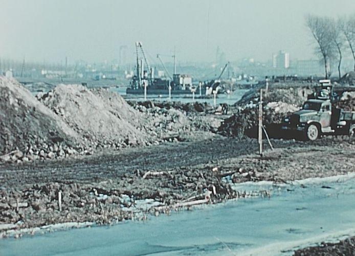Het uitgraven van de Watersportbaan, in 1955 en 1956.