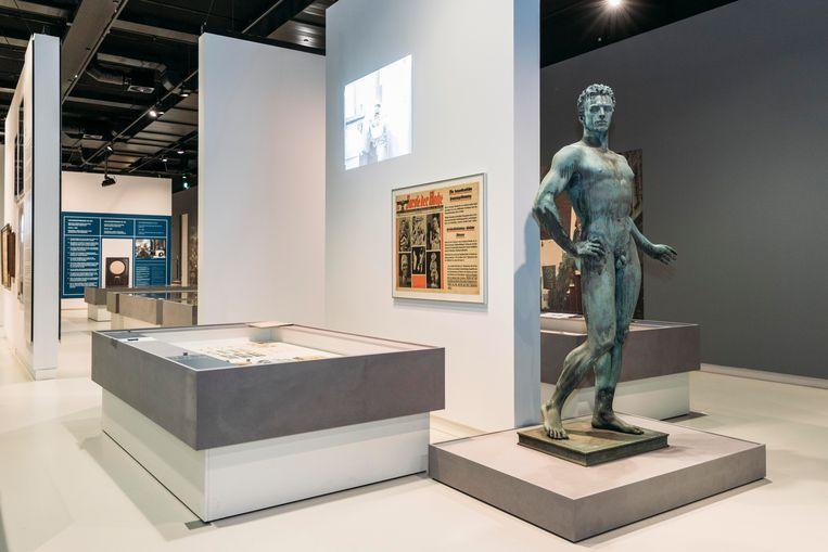 De tentoonstelling over nazi-design in Den Bosch. Beeld Rebecca Fertinel