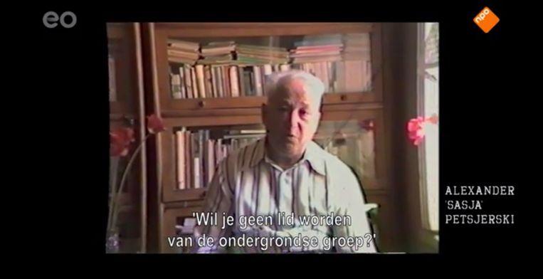 De Joods-Amsterdamse Jules Schelvis maakte er zijn levenswerk van om de verhalen van Sobibor door overlevenden te laten vertellen. Beeld -