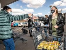 'Winkelwagens in supermarkten zorgen niet voor 1,5 meter afstand'