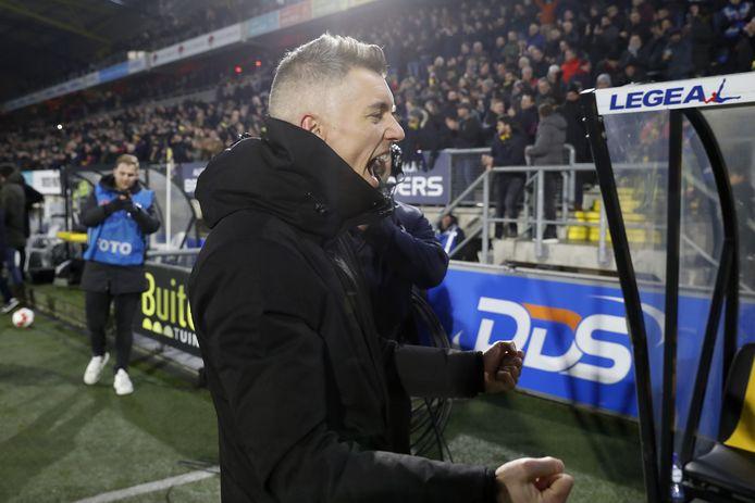Willem Weijs als coach ad interim van NAC Breda, anderhalf jaar geleden.