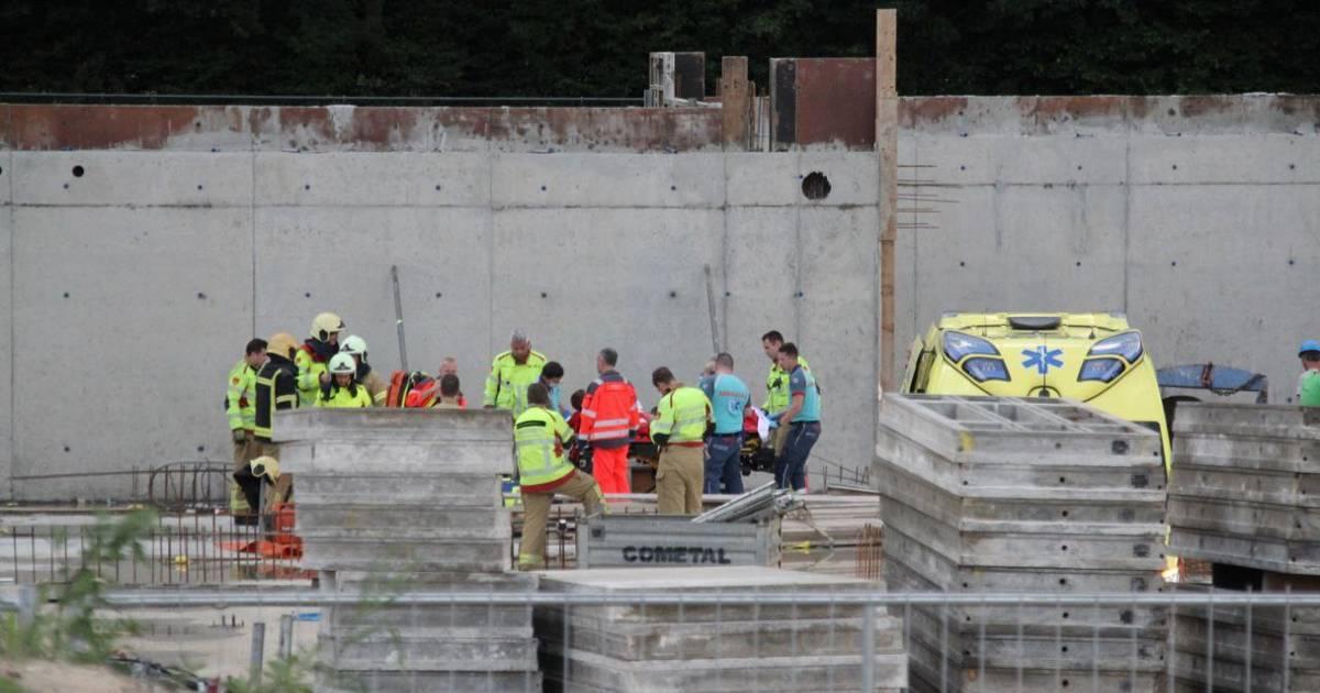 Ernstig ongeval tijdens bouw nieuw zwembad in Nunspeet.