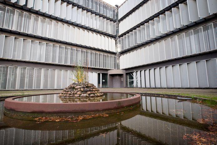 BREDA - Het oude hoofdkantoor van Cosun/Suikerunie wordt omgebouwd tot appartementencomplex.
