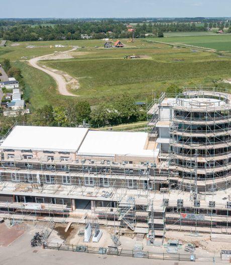 Er zit leven in Wulpdal: palen voor eerste huisjes gaan de grond in
