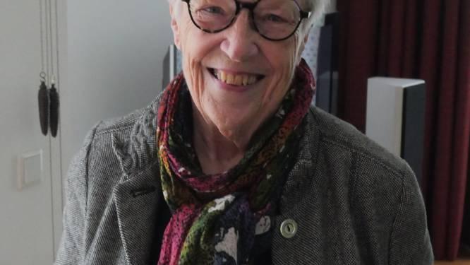 Jeanne Diele-Staal, de dochter van een  NSB'er doet haar verhaal in de Human Library in Zwolle