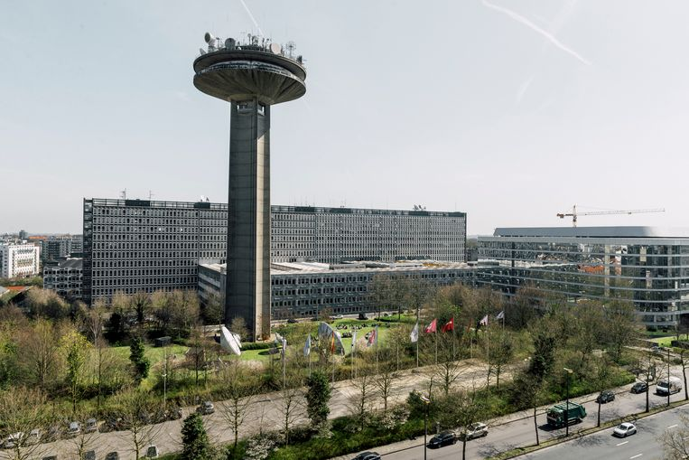 De vakbonden en het personeel van de VRT houden op 5 december een grote optocht van aan het omroepgebouw aan de Reyerslaan in Brussel naar het Martelaarsplein, waar het kabinet van Vlaams minister-president Jan Jambon gevestigd is.