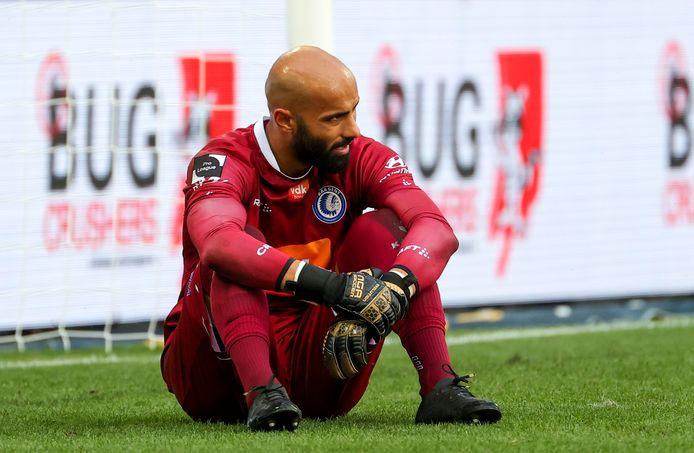 Sinan Bolat na één van de tegengoals die AA Gent slikte in de tweede helft.