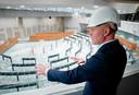 In oktober gaf staatssecretaris Knops (Binnenlandse Zaken) een rondleiding door het tijdelijke gebouw van de Tweede Kamer.