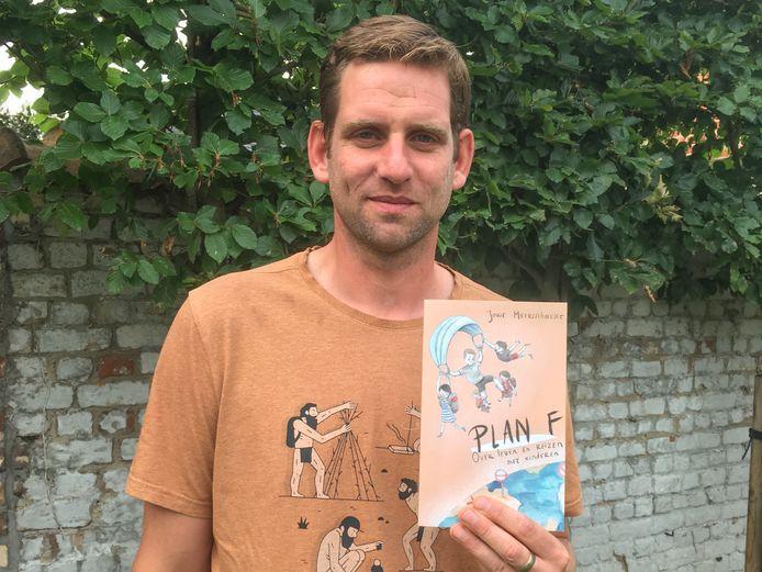Het hele reisverhaal vertelt Joris in het boek Plan F.