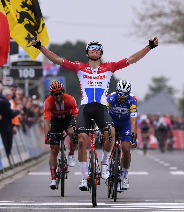 Sep Vanmarcke: 'Van der Poel is niet onklopbaar. Boonen, Museeuw en Sagan waren op een bepaald moment ook hors catégorie, maar toch wonnen ze niet alles.' Beeld