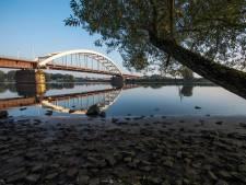 Tijdelijk één fietspad open wegens onderhoud aan de  Hedelse brug
