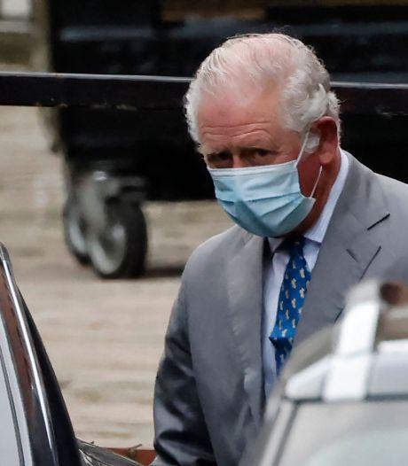 Le prince Charles rend visite à son père le prince Philip, hospitalisé