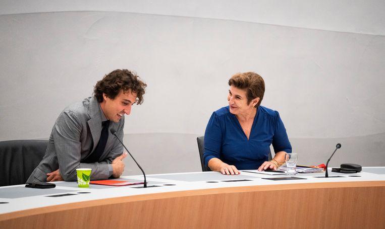 GroenLinks-leider Jesse Klaver en PvdA-leider Lilianne Ploumen tijdens de eerste gezamenlijke fractievergadering van hun partijen. Beeld Freek van den Bergh / de Volkskrant