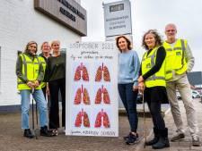 In Albergen lagen bijna 500 sigarettenpeuken voor de huisartsenpraktijk (en die hebben nu een bijzonder doel)